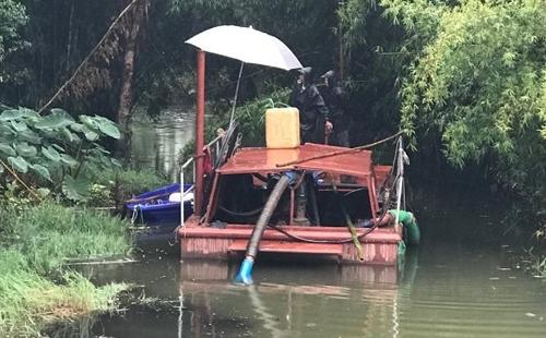 红旗河正在河道亚虎国际 唯一 官网中